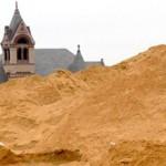 Сколько стоит строительный песок с доставкой