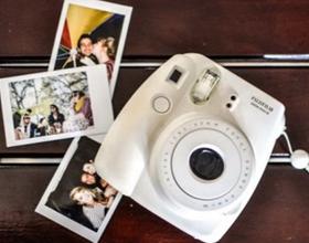 Сколько в среднем стоит фотоаппарат мгновенной печати