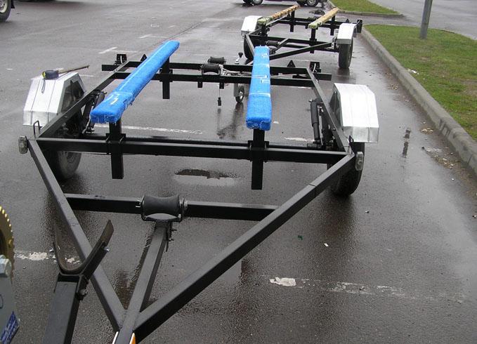 Новый прицеп для лодки