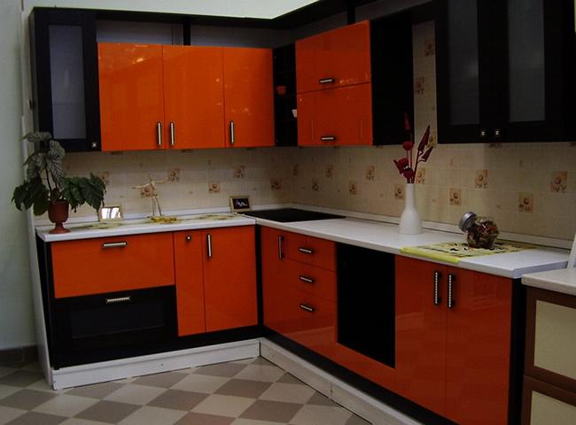 Красивая встроенная кухня