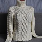 Сколько в среднем стоит вязаный свитер ручной работы?