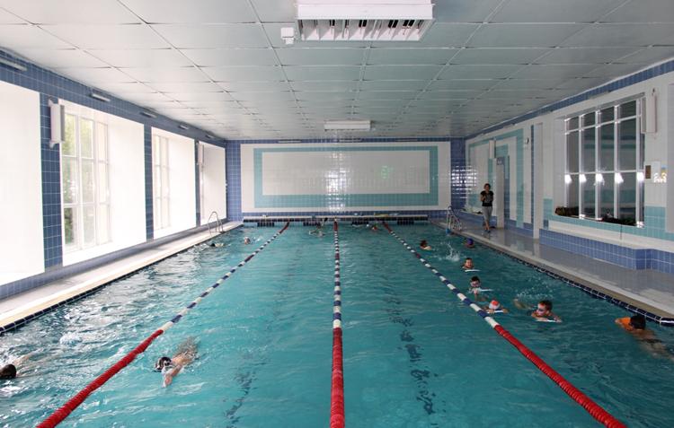 Простой плавательный бассейн