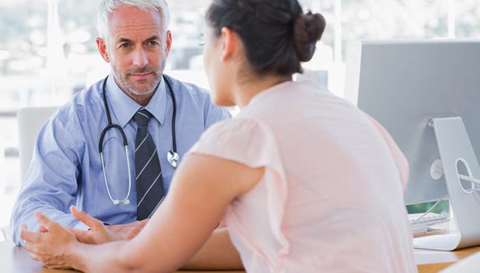 Беседа врача с пациентом