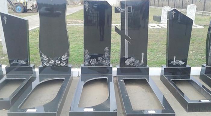 Разные виды памятников на могилу
