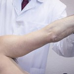 Сколько в среднем стоит консультация у травматолога?