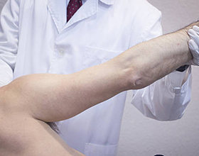 Сколько в среднем стоит консультация у травматолога