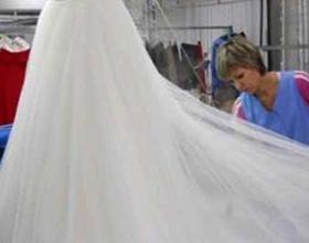 Сколько стоит сдать свадебное платье в химчистку
