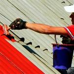 Сколько стоит покрасить крышу частного дома и от чего зависит стоимость?
