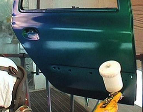 Сколько в среднем стоит покрасить дверь автомобиля?