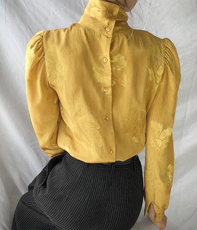 Романтическая блузка с длинным рукавом