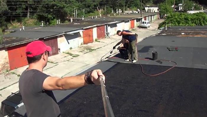 Мягкая кровля на крыше гаража