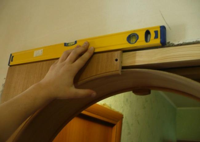 Процесс установки арки