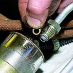 Сколько стоит замена топливного фильтра и от чего зависит цена?