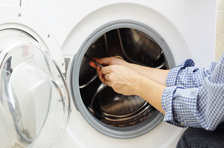 Во время ремонта стиральной машины
