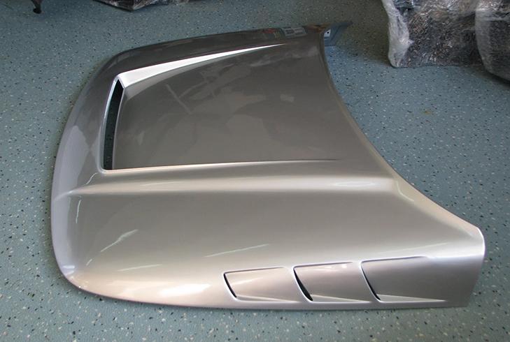 Серебряный капот на ВАЗ 2112