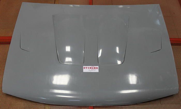 Белый капот на ВАЗ 2109