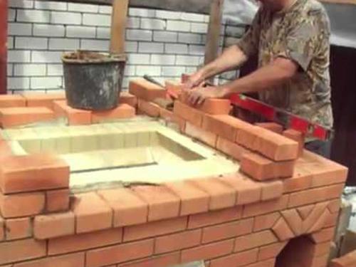 Во время строительства мангала