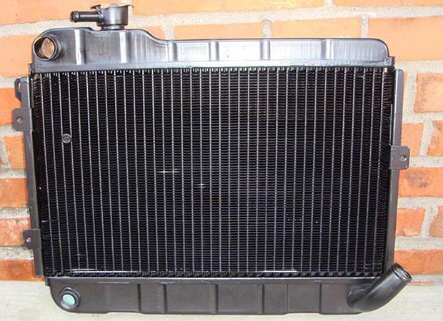 Латунный радиатор на 2106