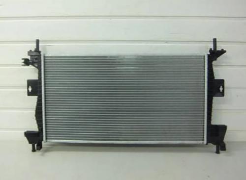Новый радиатор на Форд Фокус 2 перед установкой
