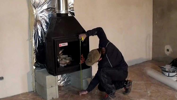 Процесс установки камина