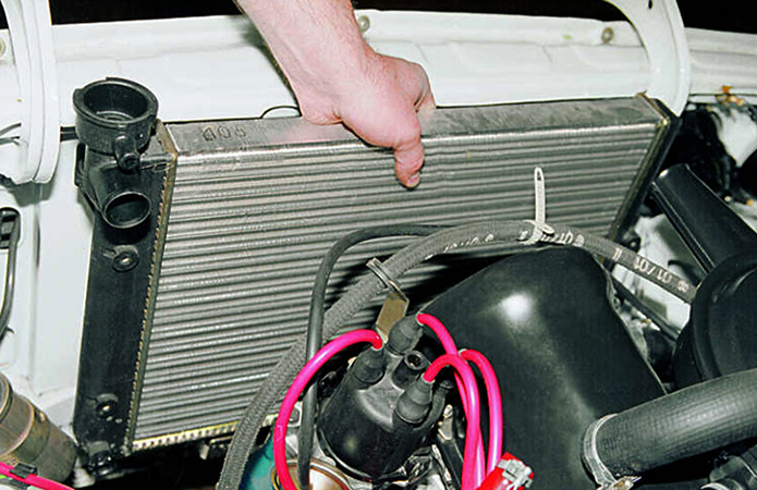 Процесс замены радиатора