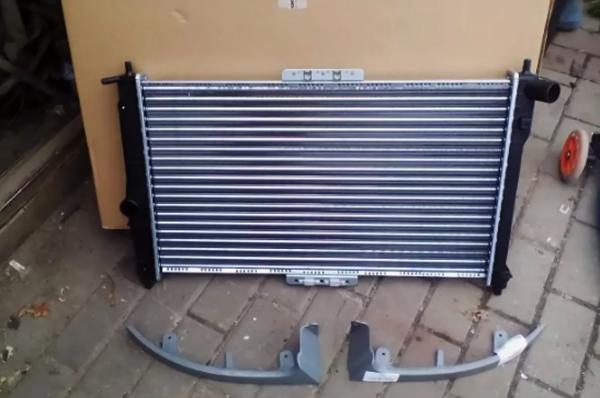 Радиатор и коробка от него
