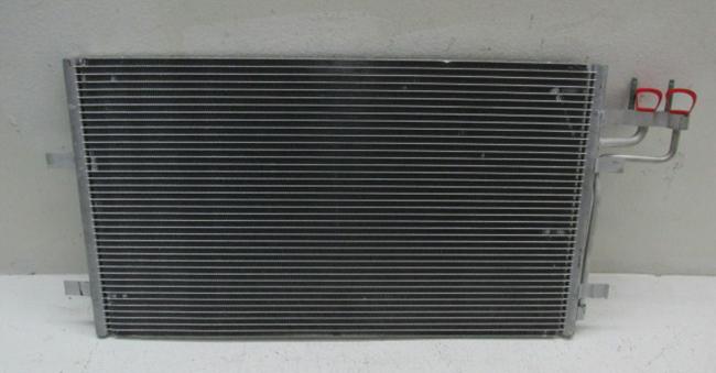 Радиатор перед установкой на Форд Фокус 2