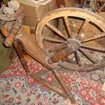 Сколько стоит деревянная прялка с колесом и от чего зависит цена