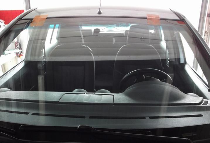 Установленное стекло на Ford Fusion