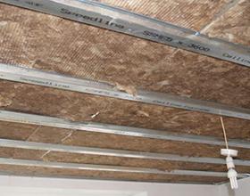 Сколько в среднем стоит сделать звукоизоляцию потолка?