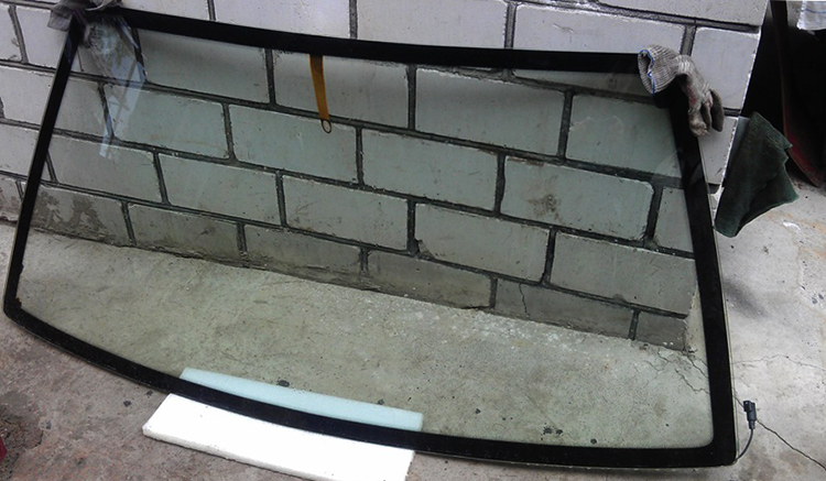 Новое лобовое стекло на ВАЗ 2109