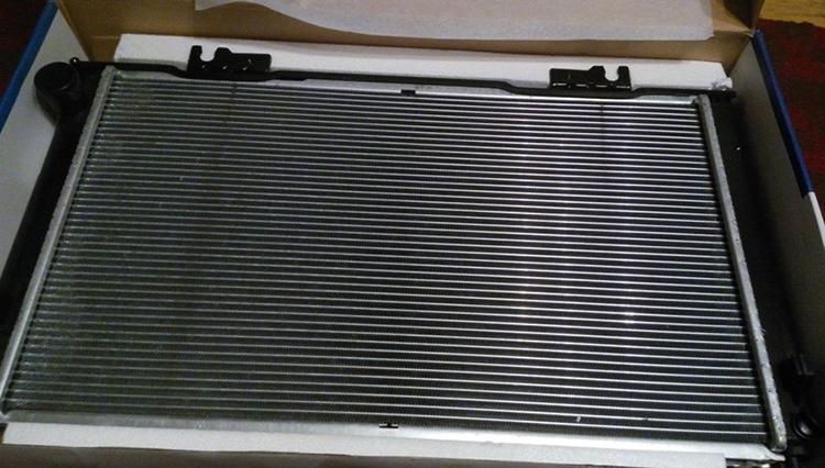 Радиатор на Приору в коробке