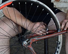 Сколько в среднем стоит переспицевать колесо велосипеда?