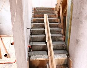 Сколько стоит залить лестницу из бетона — примерная цена