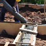 Сколько в среднем стоит залить фундамент под дом?