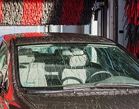 Сколько стоит помыть машину на автомойке?