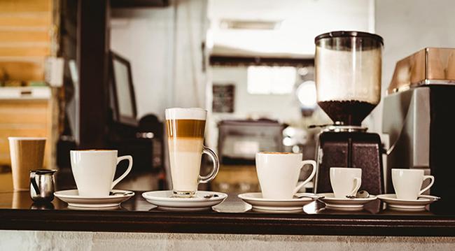 Кофе и чашки