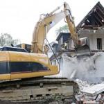 Сколько в среднем стоит снести дом и расчистить участок