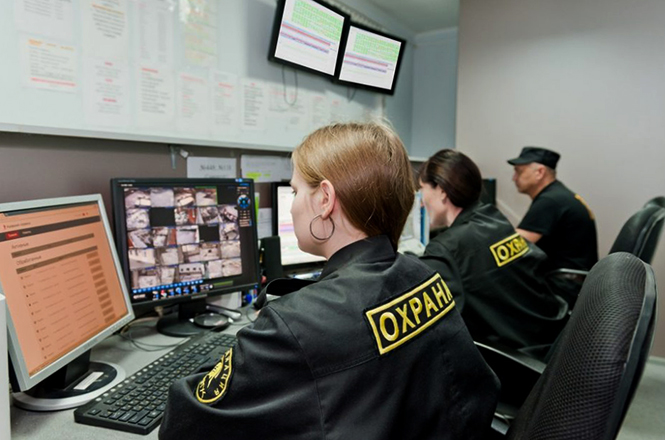 Охранники в работе