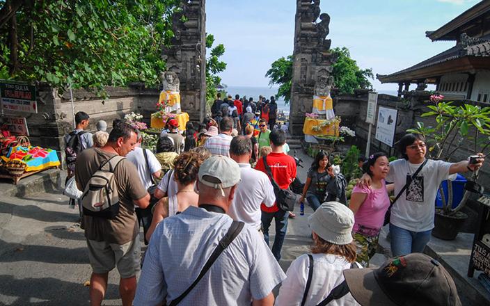 Туристы на Бали