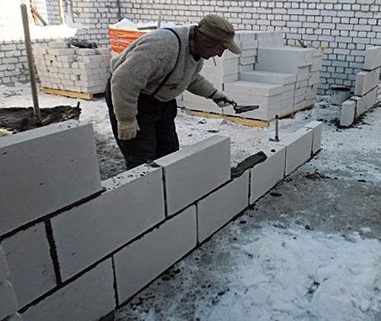 Укладка стены из пеноблоков