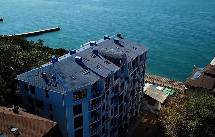 Дом на берегу моря