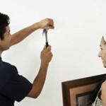 Сколько стоит повесить картину на стену
