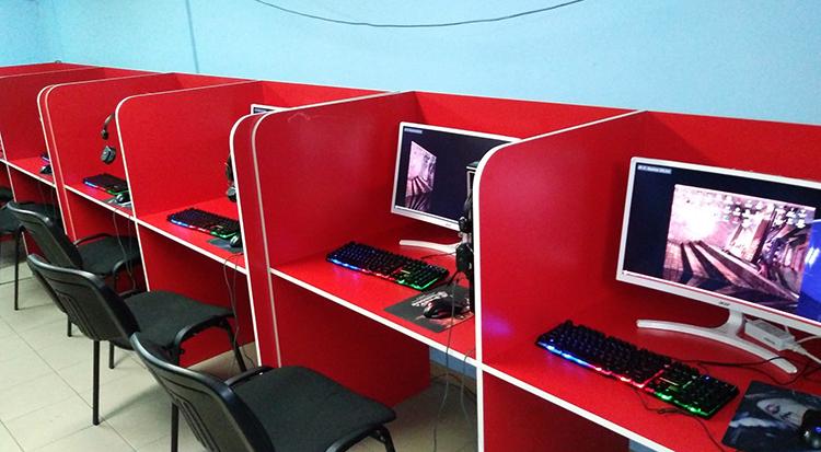 Небольшой компьютерный клуб