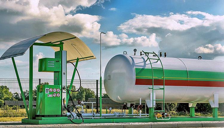 Современная газовая заправка