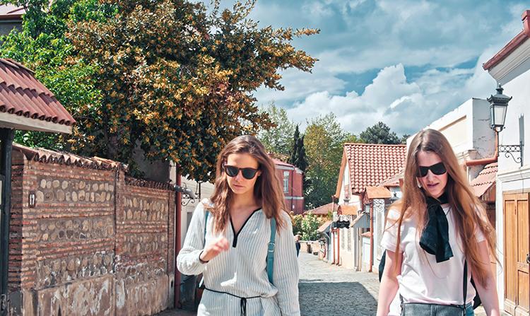 Туристки в Грузии