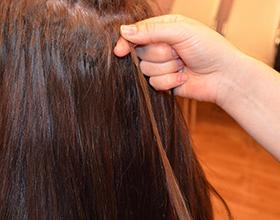 Сколько в среднем стоит снять нарощенные волосы