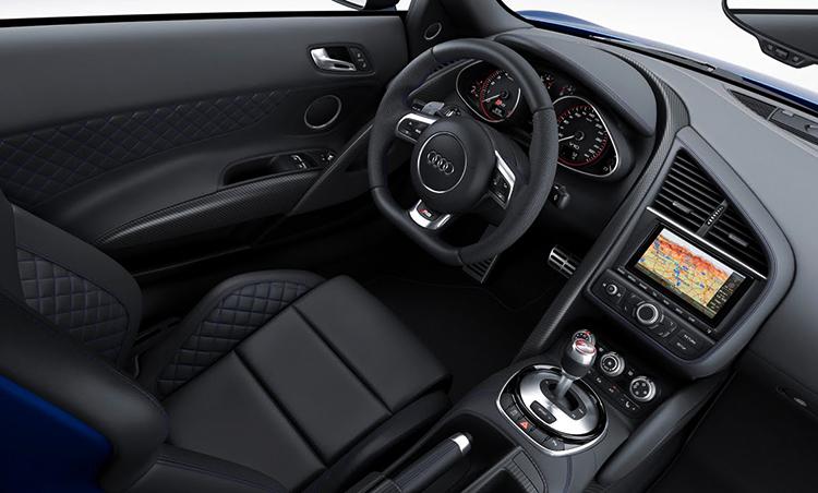 Салон Audi R8