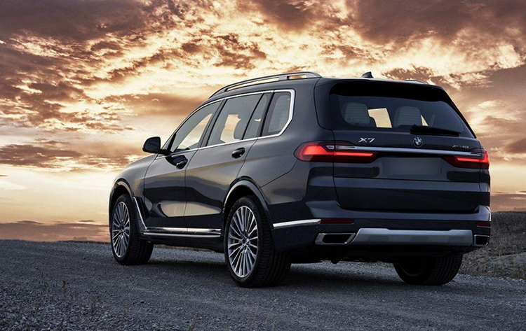BMW X7 на дороге