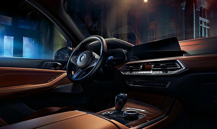 Салон нового BMW X5